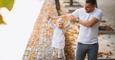 Waspada! Bayi Jalan Jinjit atau Toe Walking Bisa Pertanda Penyakit