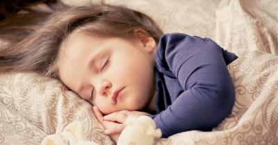 5 Dampak Baik Jika Anak Tidur Lebih Awal di Malam Hari