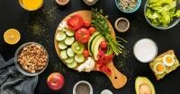 3. Terapkan pola makan sehat