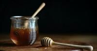 5. Aplikasikan masker madu