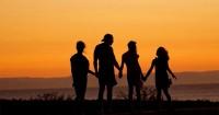 4. Melatih anak berinteraksi lingkungan baru