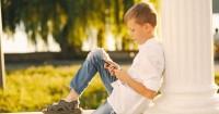 Akibat Jika Anak Remaja Sering Pamer Kesedihan Medsos, Ingatkan Yuk