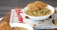 Resep Sup Pai Ayam, Makanan Andalan Chrissy Teigen