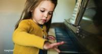 Cara Menstimulasi Anak Cerdas Musikal
