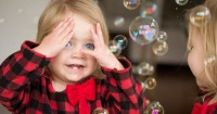 Mama Harus Tahu Ini 5 Manfaat Tersembunyi dari Bermain Ciluk Ba
