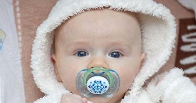 Sering Terjadi, 9 Efek Negatif Empeng dan Dot untuk Bayi