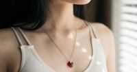 1. Perhiasan