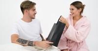 4. Take and give kepada pasangan