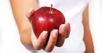 3. Buah apel mengandung zat malat menetralkan asam urat