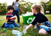3. Ajarkan anak beramal sejak dini