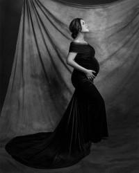 1. Melakukan maternity shoot