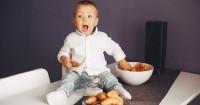 7 Masalah Makan Sering Dialami Bayi Solusinya
