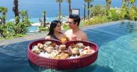 Titi Kamal & Christian Sugiono Merayakan Ulang Pernikahan Bersama Anak