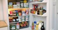 2. Simpan makanan ke dalam kulkas