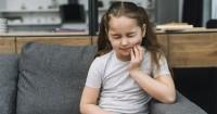 5 Pertolongan Pertama Mengurangi Sakit Gigi Anak