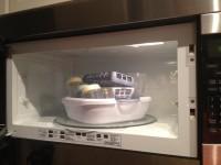 3. Menggunakan uap panas dari microwave