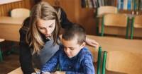 6. Guru membantu anak dalam menentukan cita-cita mimpi tanpa mengeluh