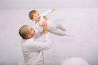 1. Papa lebih senang bermain bersama anak