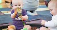 Perkembangan Bayi Usia 8 Bulan: Saatnya si Kecil Menuangkan Emosi
