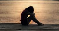 5. Sedih terus-terusan merasa depresi