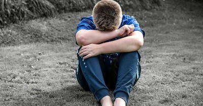 5 Cara Mengatasi Tekanan Psikis saat Orangtua Meninggal
