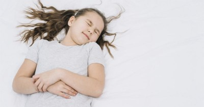 Penting! Ketahui 6 Penyebab Asam Lambung pada Anak