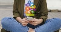 12. Bijaksana dalam menggunakan media sosial tidak menggunakan berlebihan