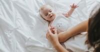 Sampai Umur Berapa Bayi Boleh Berhenti Dibedong