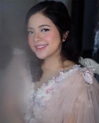 1. Tasya Kamila