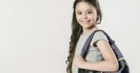 2. Biasakan anak tertib mengganti baju, cuci tangan, meletakan tas tempatnya