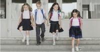 Agar Postur Anak Tidak Bungkuk, Ini Harus Diperhatikan