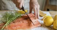 1. Ikan salmon mengandung kadar purin rendah
