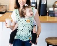 5. Gendongan melihat ke depan bisa membuat si Kecil over stimulasi