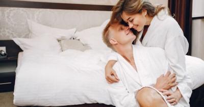 7 Cara Memuaskan Istri saat Malam Pertama