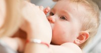 Penyebab Bayi Muntah Setelah Minum ASI