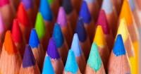 2. Membantu anak mengenal warna