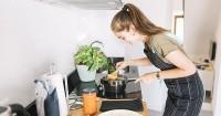 8 Tips Merawat Kompor Listrik Induksi agar Tetap Bersih Awet