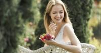 3. Makan camilan sehat