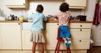 Ma, Ini 8 Pekerjaan Rumah Bisa Dilakukan Anak Umur 6-8 Tahun