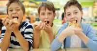 Anak Kecanduan Makanan Asin, Awas Bahaya Kesehatan Baliknya