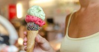 Bahaya Terlalu Banyak Makan Es Krim Saat Hamil