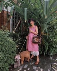 1. Manis dress polka bergaya vintage
