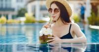 Menyegarkan, Ini 5 Manfaat Air Kelapa Ibu Hamil Muda