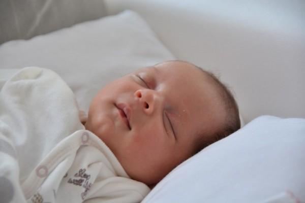 15 Ide Kado Untuk Bayi Laki Laki Baru Lahir Popmama Com