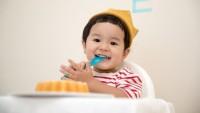 Aktivitas Belajar Sambil Bermain Menyenangkan Bayi Usia 11 Bulan