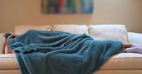1. Ubah posisi tidur