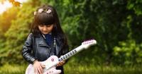 5. Alat musik atau crafting