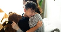 4. Jauhkan anak Mama dari anak berperilaku kasar