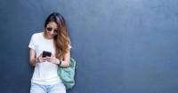 4. Lupa menanggapi chat pasangan kamu