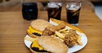 6. Hindari makanan digoreng berlemak